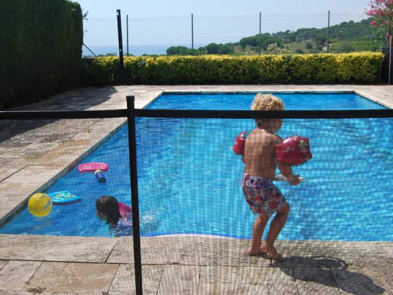 Vallas-seguridad-desmontables-piscina-nosotros-01